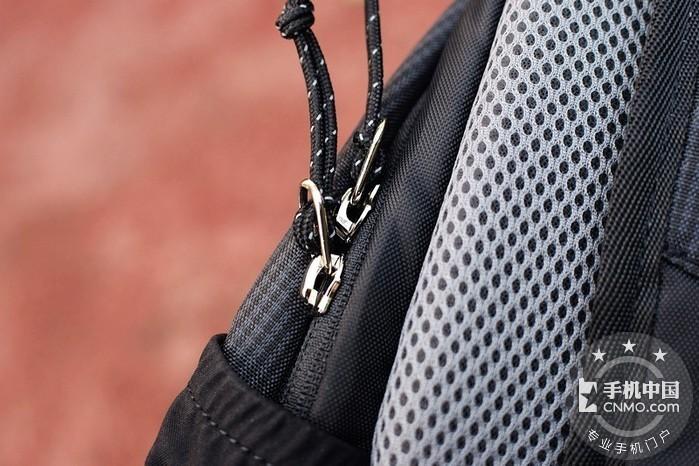 轻简实用 减震耐磨de早风户外防泼水小背包第15张图_手机中国论坛
